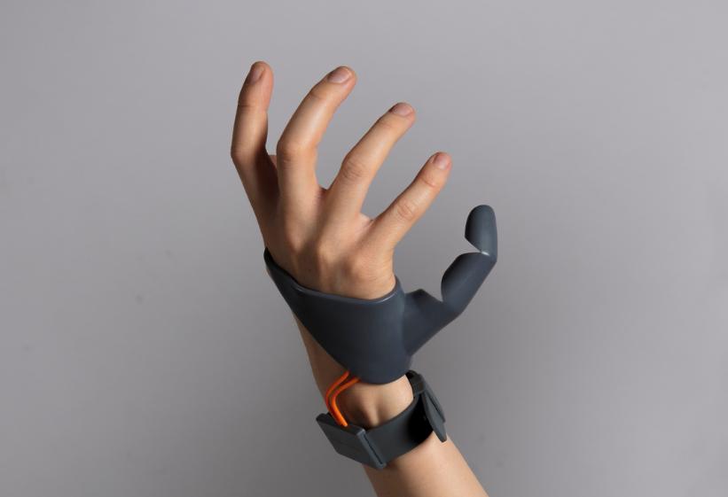 3d напечатанный третий большой палец